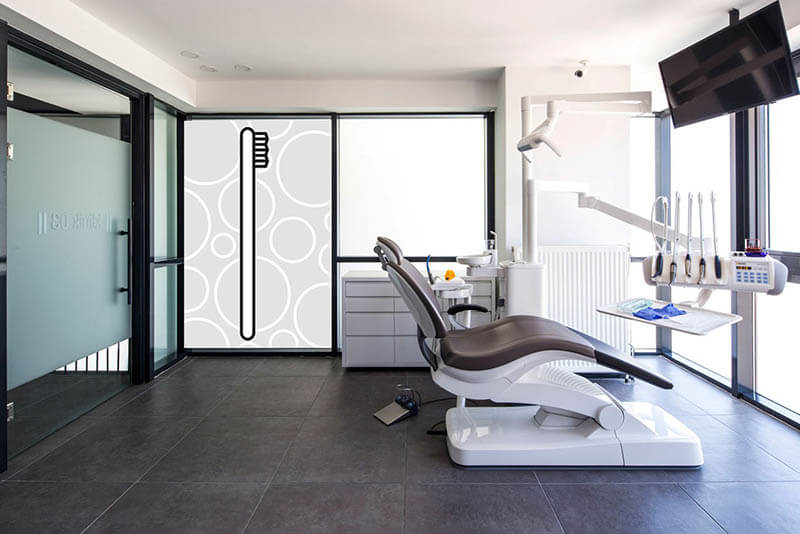 studio dentistico con arredo pop art